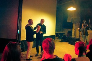fadi-hindash-receiving-audience-award-in-leiden